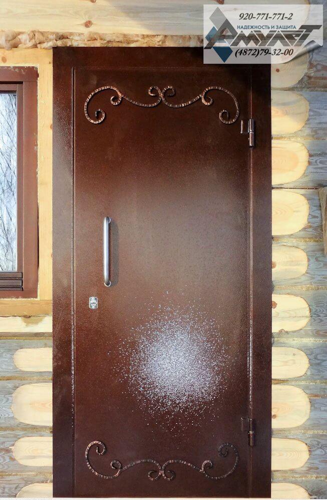 защита над входной дверью